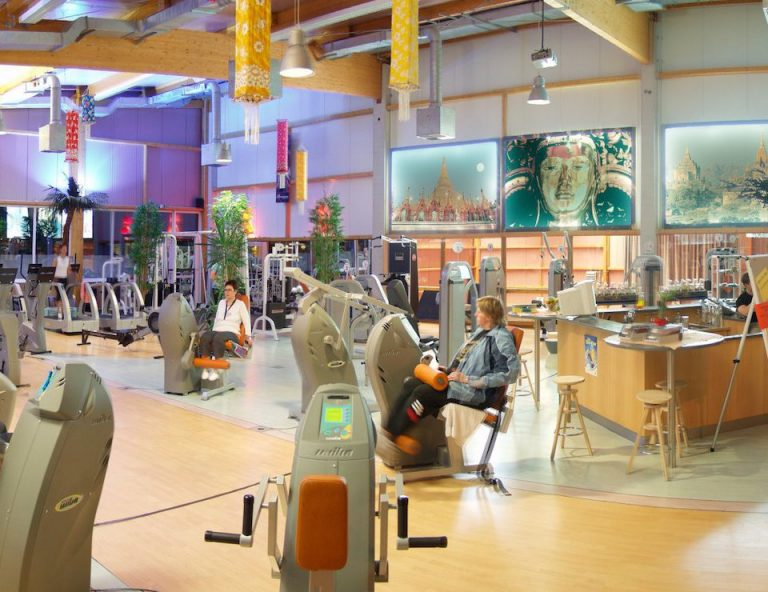 Lee más sobre el artículo Clínica de Fisioterapia Traumatológica y deportiva busca Fisio, Windhagen-Alemania